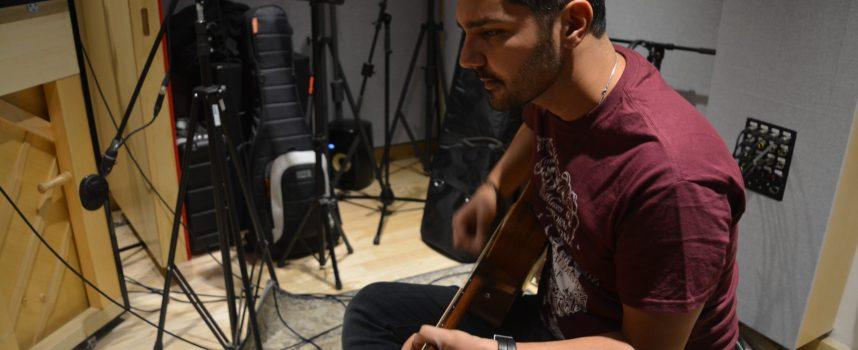 """Marco Rò: il nuovo singolo """"Laura"""" anticipa l'EP """"3"""" interamente registrato negli storici ABBEY ROAD STUDIOS di Londra"""