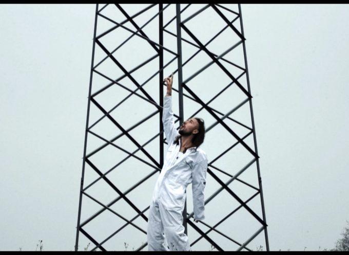 """""""Fiat/Horror"""" è il doppio video degli ultimi due singoli di Canntona, tra intimità e oscurità"""