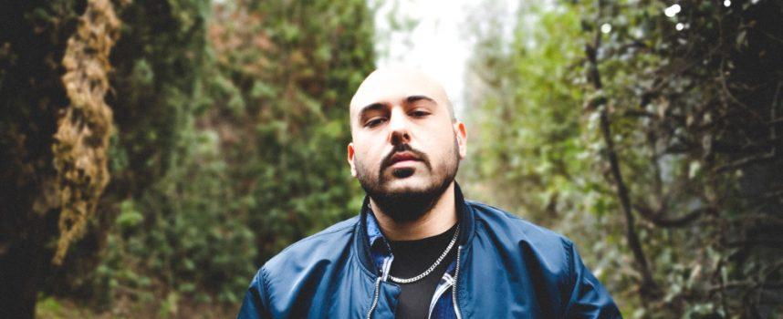 """TiAcca racconta, in chiave rap, lo smarrimento di chi torna nella propria terra dopo un lungo periodo di assenza: """"Ovunque sia stato"""" è il suo nuovo singolo"""