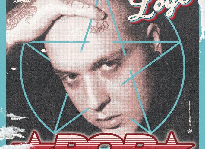 """""""POP"""": Loge si fa beffe del mercato nel suo nuovo singolo ufficiale"""